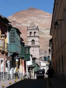 551-Potosi-et-son-Cerro-Rico-224x300