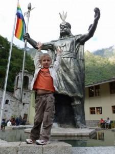 630-Pachacutec-fondateur-de-Cuzco-et-du-Machu-Picchu-225x300