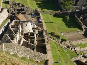 632b-le-temple-du-Soleil-et-la-maison-de-l-Inca-300x225